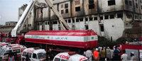 Al menos 120 personas mueren calcinadas en una fábrica textil situada en Bangladesh