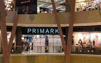 Stuttgarter protestieren gegen die Eröffnung einer Primark-Filiale