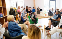 Daxon imagine des pop-up stores à la fibre sociale pour les seniors
