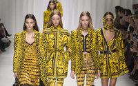 """La svolta di Versace, l'esperto: """"Non è fuggi fuggi"""""""