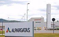 Se agudiza la crisis de la empresa textil Alpargatas en Argentina