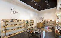 Castañer, Hawkers, Havaianas y Montblanc abren en los centros Village de Value Retail