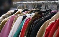 Les vêtements usés parfois réutilisés ou recyclés, souvent exportés