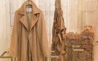 Max Mara aposta em casacos ecológicos com CameLuxe