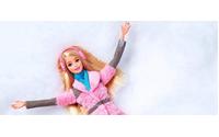 Barbie, el icono infantil, realiza un recorrido por la historia de la moda