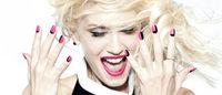 Gwen Stefani apresenta esmaltes em parceria com a OPI