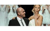 Дизайнер свадебных платьев Мануэль Мота скончался в возрасте 46 лет