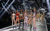 Victoria's Secret presenta su nueva propuesta de cuadros tartán y flores