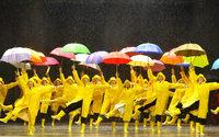 Claquettes, paillettes : les comédies musicales dévoilent leurs costumes à Moulins