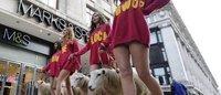 Marks & Spencer: pecore e modelle per promuovere la lana