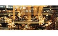 Hong Kong Nov retail sales dive, string of falls the longest in 13 yrs