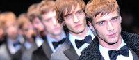 Mode homme à Milan: âme romantique et chaussettes noires