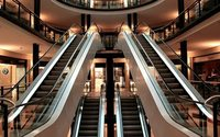 "UK footfall stays weak, consumers take ""no-splurge"" approach"