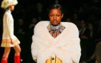 Paris Fashion Week : une toundra chic et de la fausse fourrure chez Miu Miu