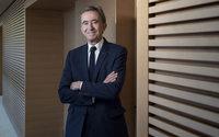 Notre-Dame: Bernard Arnault concrétise sa promesse de don de 200 millions d'euros