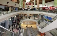 Las ventas en los centros comerciales en España crecen un 1,8 % en el primer semestre