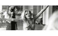 Digital kills beauty: supermodel photographer