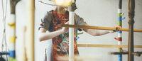 刺繍アーティスト有本ゆみこが手がける「シナ スイエン」ランプでインスタレーション開催