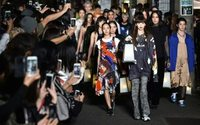 Tokyo Fashion Week : Koché défile en pleine rue