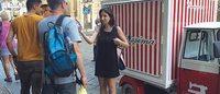 Camicissima: con l'ApeCar personalizzato porta refrigerio ai milanesi