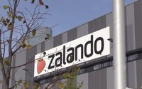 Zalando customer numbers surge, expects fast growth to go on