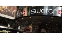 Swatch prefers go-it-alone route for smartwatch plans