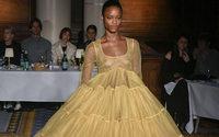 Coronavirus: il British Fashion Council va in soccorso dei designer britannici più fragili