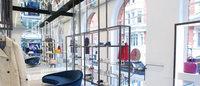 """那个靠""""脏球鞋""""走红的品牌,开出英国第一家店"""