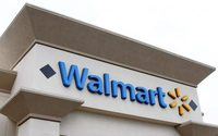 Wal-Mart reassures employees as it touts tech investments