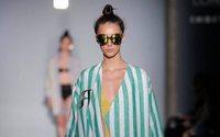 Roberto Verino rejuvenece con una estética ochentera en Madrid Fashion Week