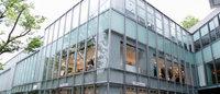 ヴァレンティノ、ガラスの中の宮殿をイメージした都内初の路面店を表参道に出店