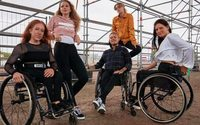 Zalando и Dr. Denim выпустили джинсы для людей с ограниченной подвижностью