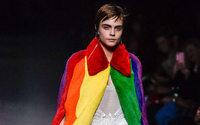 Christopher Bailey abandona Burberry con un manifiesto LGBTQ