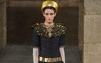 Causa scioperi, Chanel anticipa la data della sfilata Métiers d'Art
