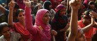Bangladesh : les ouvriers du textile bloquent des rues, mettent le feu à des usines