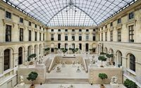 Louis Vuitton to stage catwalk in the Louvre Museum