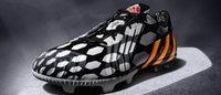 Adidas confirma meta de 2,7 bilhões de dólares nas vendas de futebol
