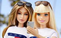 Barbie bekommt einen neuen Look mit Genehmigung von Gigi Hadid und Tommy Hilfiger