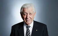 With Westfield sale, Frank Lowy calls time on rags-to-riches story
