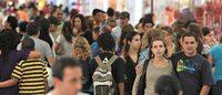 Intenção de consumo das famílias brasileiras atinge menor nível desde 2011