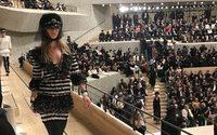 Chanel Métiers d'art : et vogue le navire, dans le port de Hambourg
