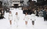 Chanel : paysage de neige féerique et minute de silence pour les adieux à Karl Lagerfeld