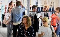 Neonyt: Platzmangel vor Tempelhof-Premiere