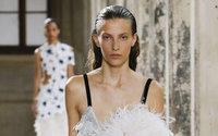 Haute Couture : les petites mains à la rencontre de la technologie chez Proenza Schouler