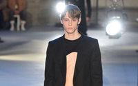 De N°21 à Marni, les designers subvertissent les codes masculins à Milan