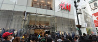 H&M and John Legend draw huge crowd to flagship opening