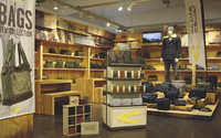 Camel Active Bags bietet dem Handel neue Präsentations-Tools