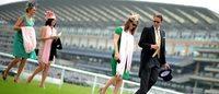Les courses hippiques d'Ascot, quintessence de l'élégance britannique, attirent gratin et curieux