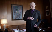 Paris remembers Pierre Bergé at Sidaction dinner that raises 800,000 euros