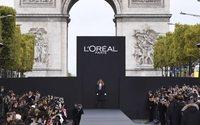 L'Oréal Paris fait vibrer les Champs-Elysées avec un défilé hors normes